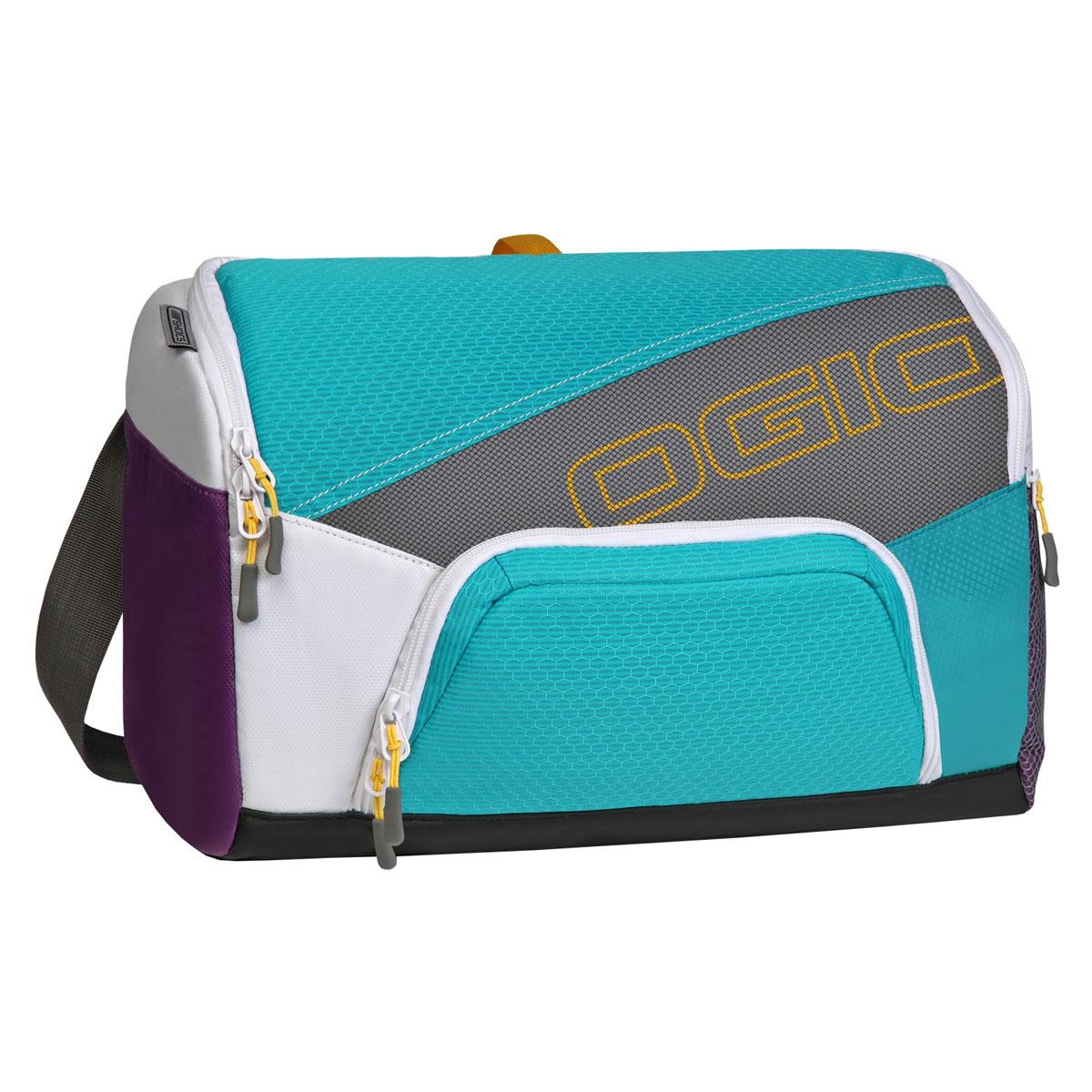 Сумка OGIO Quickdraw, цвет: голубой, фиолетовый. 112041.377112041.377Спортивная сумка OGIO Quickdraw подойдет людям, которые не привыкли таскать с собой габаритные сумки.Плечевая спортивная сумка OGIO - это Ваш помощник в спортивной жизни. Компактная сумка легко поместит в себе пару обуви, футболку с шортами, шейкер, мелкие вещи и электронные гаджеты.Особенности:Основное отделение отлично вмещает обувь для бега и сменную одежду.Внутренний карман для бутылки с водой.Дополнительное специальное отделение под крышкой для хранения продуктов питания.Внутренний карман для ключей и ценных вещей.Наружный карман с подбивкой для хранения ценных вещей.Легкая, износоустойчивая и прочная на разрыв ткань.Скрытая сетка для вентиляции основного отделения.Боковой карман с двусторонней застежкой на молнии носостойкое и устойчивое к истиранию брезентовое основание.Вентилируемая задняя стенка с системой проветривания.Простой регулируемый наплечный ремень Надежно закрепленный ремень для переноски.Яркая подкладка.Объем: 15 л.Материал: кареточная ткань 420D, кареточная ткань 210D.