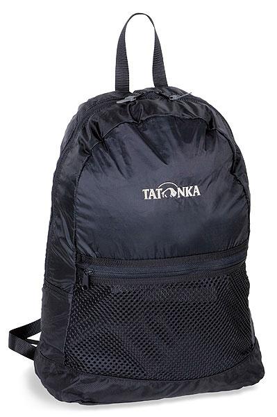 Городской рюкзак Tatonka Super Light, цвет: черный, 18 л. 2216.0407292Суперлегкий складной рюкзак. Идеален для случаев, когда вы приходите с пустыми руками, а уходите с полным рюкзаком. Или наоборот. Складывается в изящную поясную сумку, но в развернутом виде имеет вполне приличный объем.Особенности:Материал: 190T Nylon Taffeta; 420 HD Nylon.Легкий складной рюкзак.Интегрированная поясная сумка.Накладной сетчатый карман.Держатель для ключей.Ручка для переноски.
