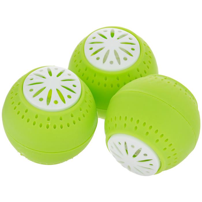 Поглотитель запаха Bradex Свежесть, 3 шт106-026Как бы тщательно вы ни упаковывали продукты, со временем в холодильнике ароматы пищи перемешиваются между собой, образуя стойкий неприятный запах, избавиться от которого очень сложно. Разместите небольшие шарики Свежесть на полках холодильника и забудьте о режущих обоняние запахах. Свежесть не маскирует неприятные запахи, а устраняет их. Наполнитель шариков втягивает неприятные запахи, полностью нейтрализуя их. Одного комплекта шариков хватает на 2-3 месяца. Абсолютно безвредны для человека и животных.