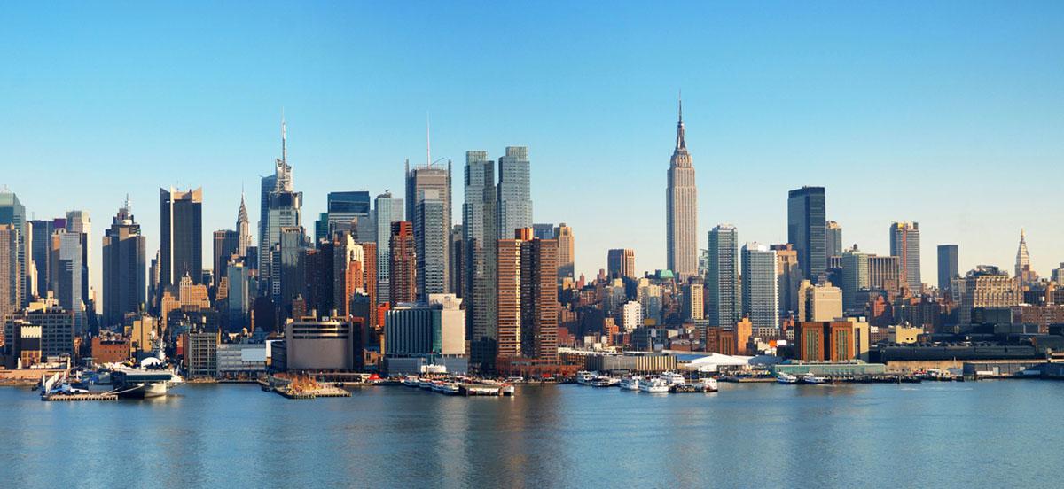 Картина на стекле Postermarket Манхеттен, 23 х 50 см25051 7_желтыйКартина на стекле Postermarket - это новое слово в оформлении интерьера. Изделие выполнено из закаленного стекла, что обеспечивает устойчивость к внешним воздействиям, защиту от влаги и долговечность. Картина оформлена красочным изображением одного из районов Нью-Йорка - Манхеттена. С задней стороны имеются 2 петельки для подвешивания к стене. Стильный, современный дизайн, а также яркие и насыщенные цвета сделают эту картину прекрасным дополнением интерьера комнаты.
