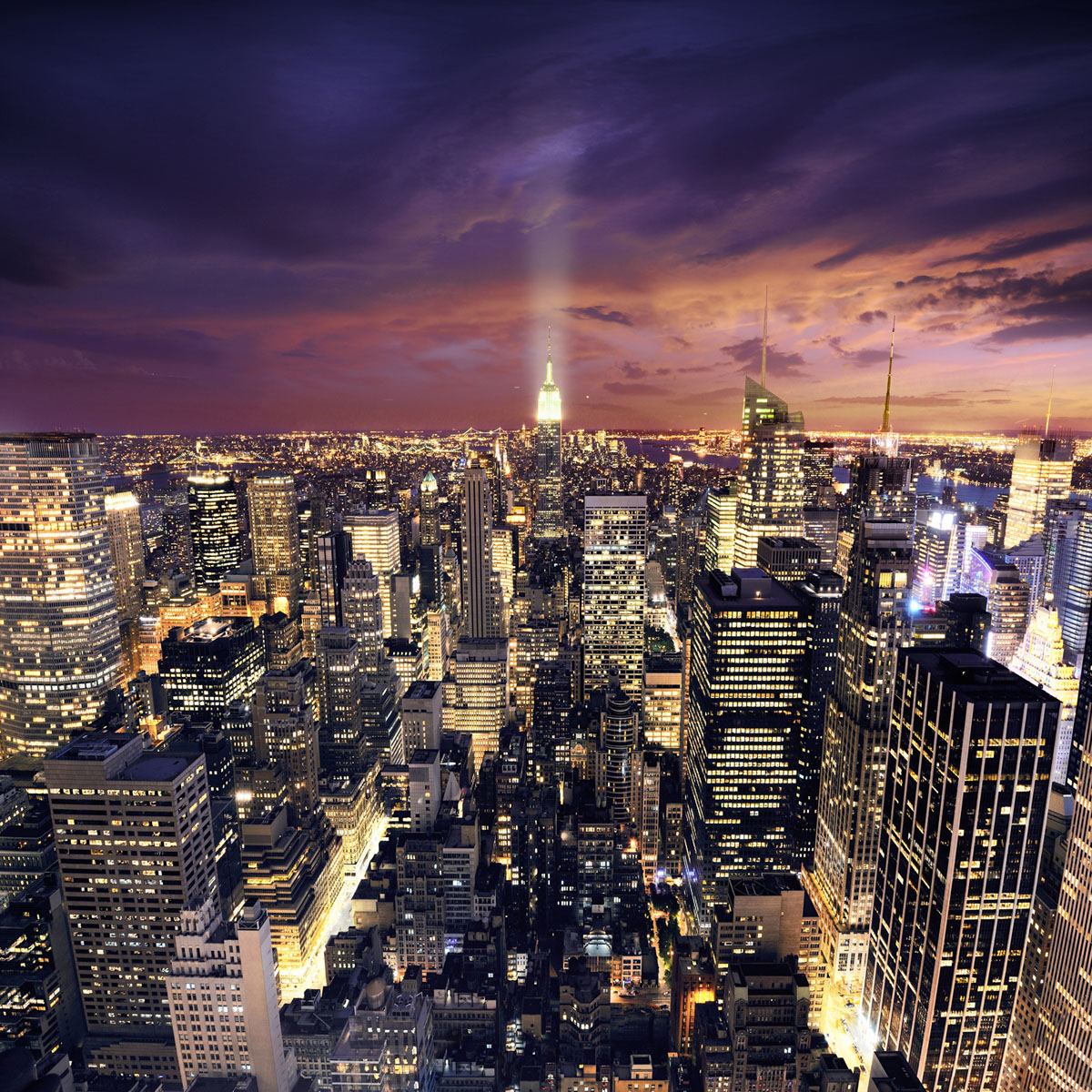Картина на стекле Postermarket Ночной город, 30 см х 30 смБрелок для ключейКартина на стекле Postermarket - это новое слово в оформлении интерьера. Изделие выполнено из закаленного стекла, что обеспечивает устойчивость к внешним воздействиям, защиту от влаги и долговечность. Картина оформлена красочным изображением ночного города. С задней стороны имеется петелька для подвешивания к стене. Стильный, современный дизайн, а также яркие и насыщенные цвета сделают эту картину прекрасным дополнением интерьера комнаты.