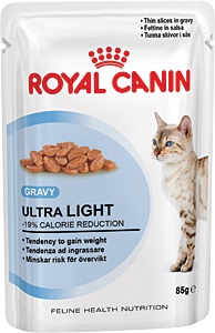 Консервы Royal Canin Ultra Light, для кошек, склонных к полноте, мелкие кусочки в соусе, 85 г0120710Консервы Royal Canin Ultra Light являются идеально сбалансированным рационом для кошек старше 1 года, склонных к полноте. Излишний вес может нанести вред здоровью вашей кошки! Излишний вес у кошек обычно бывает вызван несбалансированностью между поступлением энергии (слишком большим количеством еды или высококалорийной диетой) и расходом энергии (недостаточной подвижностью).У взрослых кошек, особенно имеющих лишний вес, может развиться мочекаменная болезнь, возникающая из-за недостаточного потребления воды и редкого мочеиспусканияЕсли при похудении используется питание с недостаточным содержанием белка, возможны потери не только жировой, но и мышечной массы кошки. -19% калорий.Влажный корм Ultra Light 10 помогает сократить количество спонтанно потребляемых кошкой калорий. L-карнитин стимулирует расщепление жиров. Поддержание мышечной массы.Способствует поддержанию мышечной массы кошки благодаря высокому содержанию биологически ценного протеина и потере жировой массы при похудении. Здоровье мочевыделительной системы.Помогает поддержать здоровье мочевыделительной системы кошки, сокращая концентрацию минеральных веществ, способствующих образованию мочевых камней. В рацион домашнего любимца нужно обязательно включать консервированный корм, ведьего главные достоинства - высокая калорийность и питательная ценность. Консервы лучшеусваиваются, чем сухие корма. Также важно, что животные, имеющие в рационеконсервированный корм, получают больше влаги. Состав: мясо и мясные субпродукты, злаки, яйца и яйцепродукты, субпродукты растительного происхождения, минеральные вещества, углеводы. Добавки (в 1 кг):Витамин D3: 145 ME, Железо: 7 мг, Йод: 0,07 мг, Марганец: 2 мг, Цинк: 22 мг, L-карнитин: 40 мг. Товар сертифицирован.Уважаемые клиенты! Обращаем ваше внимание на возможные изменения в дизайне упаковки. Качественные характеристики товара остаются неизменными. Поставка осуществляется