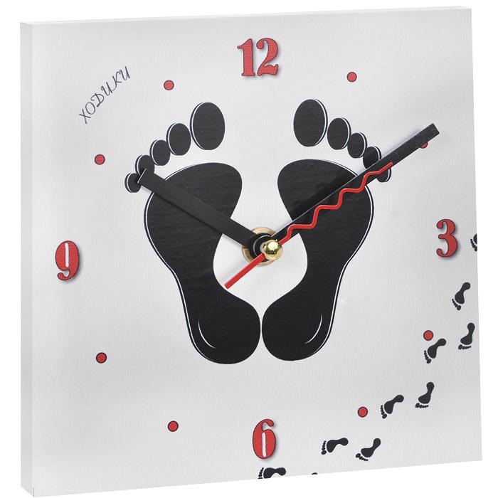 Часы настенные Ходики. 95836300074_ежевикаНастенные кварцевые часы Ходики изготовлены из МДФ. Корпус часов квадратной формы декорирован забавным изображением ступней. Циферблат с отметками и арабскими цифрами имеет три стрелки - часовую, минутную и секундную. С задней стороны - ножка для размещения на столе и металлическая петля для подвешивания на стену. Часы необычного дизайна великолепно оформят интерьер.