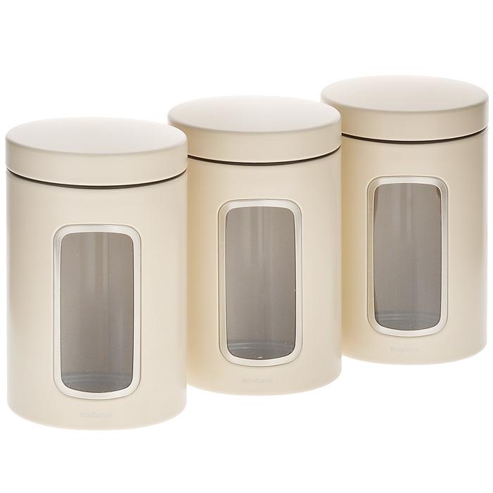 Набор контейнеров для сыпучих продуктов Brabantia, цвет: бежевый, 1,4 л, 3 шт. 151224VT-1520(SR)Набор Brabantia состоит из трех контейнеров, выполненных из антикоррозийной стали с цветным защитным покрытием. Контейнеры предназначены для хранения кофе, чая, сахара, круп и других сыпучих продуктов. Изделия оснащены удобными плотно закрывающимися крышками, которые не пропускают запахи и позволяют дольше сохранять аромат продуктов. Контейнеры имеют прозрачные окошки. Благодаря антистатической поверхности содержимое контейнера не прилипает к пластиковому окошку, поэтому вы всегда можете видеть, что и в каком количестве содержится в банке. Стильный набор современного дизайна не только послужит функционально, но и красиво оформит интерьер вашей кухни.Размер банки (с учетом крышки): 11 см х 11 см х 17 см.