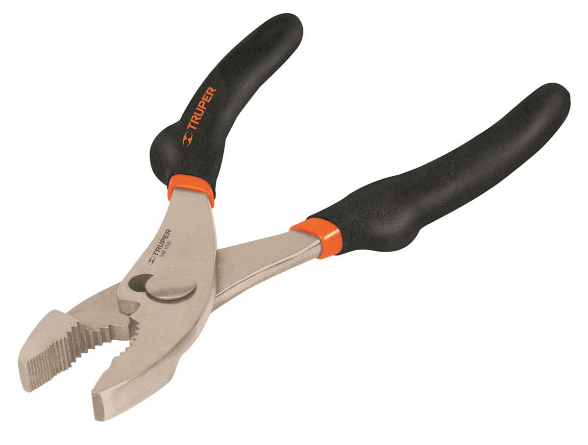 Клещи переставные Truper PCH, 152,4 мм2706 (ПО)Клещи переставные Truper предназначены для отворачивания, заворачивания и фиксации крепежа, различного по форме. Клещи изготовлены из кованной высокоуглеродистой стали. Сатинированное покрытие металлической части в 3 раза лучше защищает от коррозии. Обрезиненные рукоятки обеспечивают надежный захват.