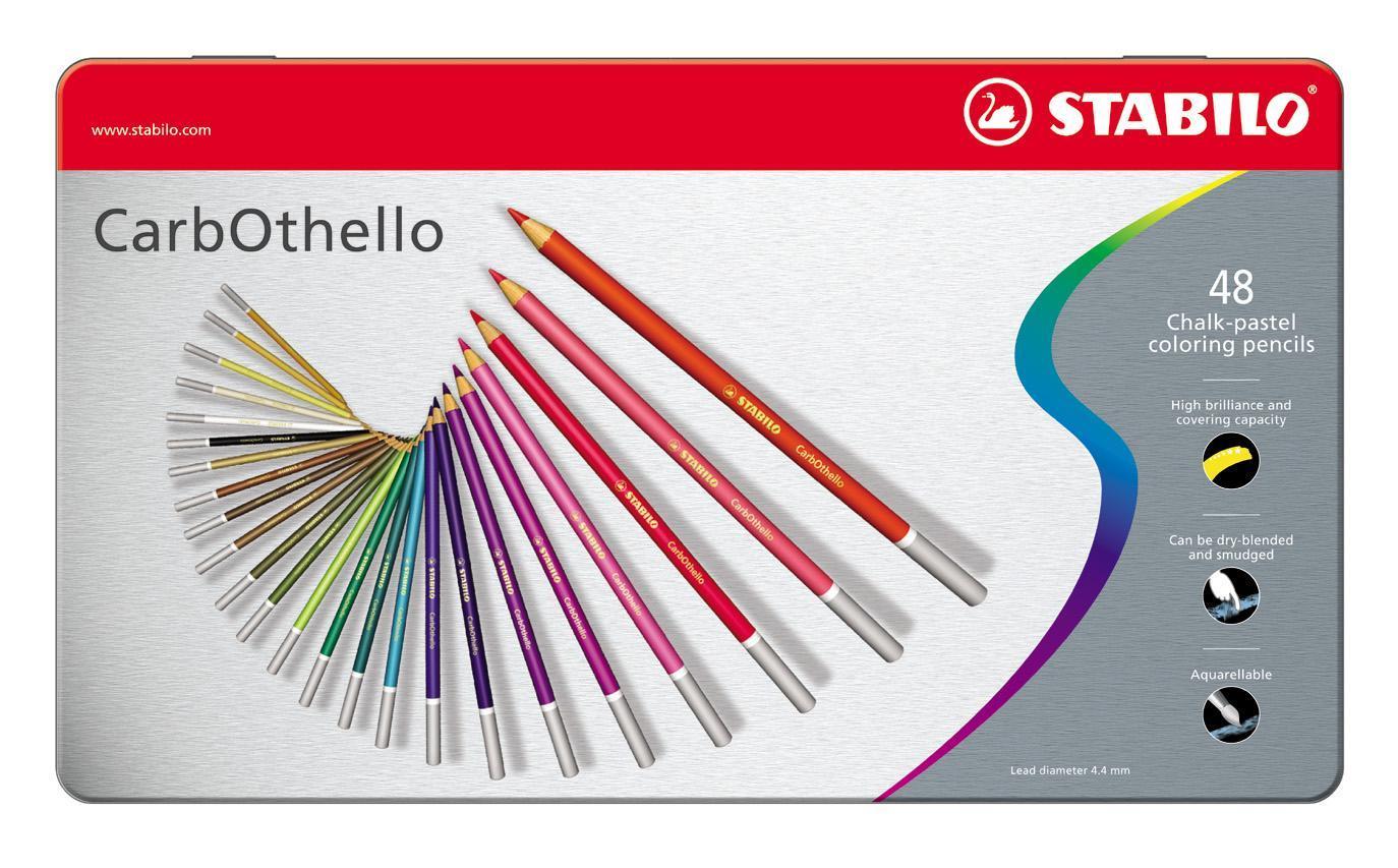 Набор цветных карандашей Stabilo CarbOthello, 48 цветов72523WDЦветная пастель в виде деревянного карандаша. Деревянная оболочка карандаша защищает хрупкую сердцевину - пастельный мелок, способный передать бесподобную свежесть и выразительность красок. Мягкий грифель позволяет рисовать даже на очень тонкой бумаге. Можно использовать как акварельные карандаши. Цветная пастель идеально подходит для смешивания цветов. Исключительная насыщенность цвета позволяет добиться великолепных результатов даже на темном фоне. Набор в металлической коробке.