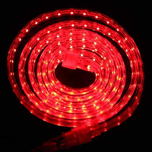 Светодиодная лента Luck&Light, 2 метра, цвет: красный75Гибкая светодиодная лента с высокой степенью защиты предназначена для декоративного освещения вне помещений. С помощью отдельных сегментов (1 м, 2 м, 5 м), оснащенных надежным винтовым соединением, Вы легко соберете конструкцию необходимой длины.Лента укомплектована набором для крепления к поверхности.Блок питания приобретается отдельно.