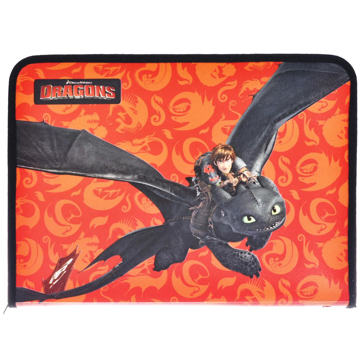 Папка для труда Action! Dragons, цвет: черный, оранжевыйC13S041944Папка для труда Action! Dragons предназначена для хранения тетрадей, рисунков и прочих бумаг, а также ручек, карандашей, ластиков и точилок. Папка оформлена изображением Иккинга и Беззубика - персонажей мультфильма Как приручить дракона. Внутри находится одно большое отделение с вкладышем, содержащим 11 фиксаторов для школьных принадлежностей. Закрывается папка на застежку-молнию.Яркая и удобная, такая папка непременно понравится вашему ребенку.