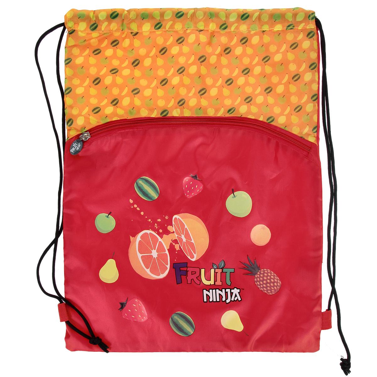 Сумка для сменной обуви Action! Fruit Ninja, цвет: красный, оранжевый. FN-ASS4306/2FN-ASS4306/2Сумку Action! Action! Fruit Ninja удобно использовать как для хранения, так и для переноски сменной обуви. Она выполнена из прочного полиэстера и оформлена декоративными термоаппликациями. На лицевой стороне расположен большой внешний карман на застежке-молнии. Бегунок дополнен удобным прорезиненным держателем.Сумка затягивается сверху при помощи текстильных шнурков. Шнурки фиксируются в нижней части сумки, благодаря чему ее можно носить за спиной как рюкзак.