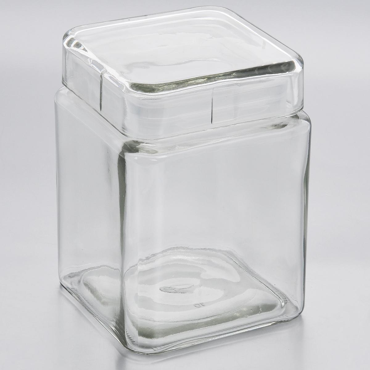 Емкость для хранения Esprado Cristella, 1240 млC041201E405Емкость для хранения Esprado Cristella изготовлена из качественного прозрачного стекла, отполированного до идеального блеска и гладкости. Изделие имеет квадратную форму. Стекло термостойкое, что позволяет использовать емкость Esprado при различных температурах (от -15°С до +100°С). Это делает ее функциональным и универсальным кухонным аксессуаром. Емкость очень вместительна, поэтому прекрасно подходит для хранения круп, макарон, кофе, орехов, специй и других сыпучих продуктов. Крышка плотно закрывается и легко открывается благодаря силиконовой прослойке. Это обеспечивает герметичность и дольше сохраняет продукты свежими.Благодаря различным дизайнерским решениям такая емкость дополнит и украсит интерьер любой кухни. Емкости для хранения из коллекции Cristella разработаны на основе эргономичных дизайнерских решений, которые позволяют максимально эффективно и рационально использовать кухонные поверхности. Благодаря универсальному внешнему виду, они будут привлекательно смотреться в интерьере любой кухни. Емкости для хранения незаменимы на кухне: они помогают сохранить свежесть продуктов, защищают от попадания излишней влаги и позволяют эффективно использовать ограниченное кухонное пространство. Не использовать в духовом шкафу, микроволновой печи и посудомоечной машине.