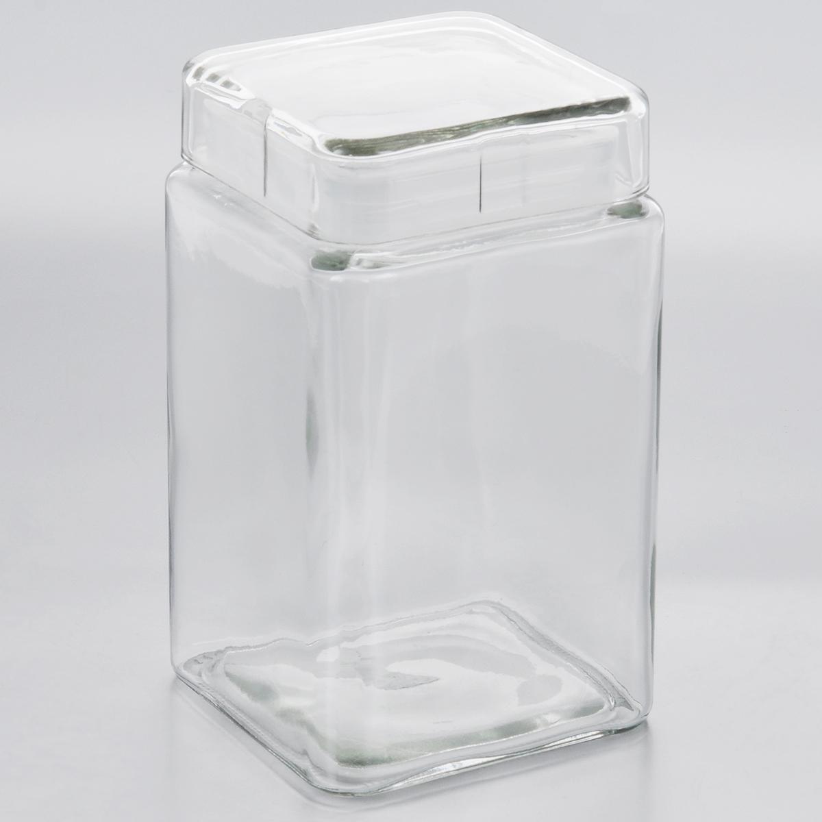 Емкость для хранения Esprado Cristella, 1680 млC041601E405Емкость для хранения Esprado Cristella изготовлена из качественного прозрачного стекла, отполированного до идеального блеска и гладкости. Изделие имеет квадратную форму. Стекло термостойкое, что позволяет использовать емкость Esprado при различных температурах (от -15°С до +100°С). Это делает ее функциональным и универсальным кухонным аксессуаром. Емкость очень вместительна, поэтому прекрасно подходит для хранения круп, макарон, кофе, орехов, специй и других сыпучих продуктов. Крышка плотно закрывается и легко открывается благодаря силиконовой прослойке. Это обеспечивает герметичность и дольше сохраняет продукты свежими. Благодаря различным дизайнерским решениям такая емкость дополнит и украсит интерьер любой кухни. Емкости для хранения из коллекции Cristella разработаны на основе эргономичных дизайнерских решений, которые позволяют максимально эффективно и рационально использовать кухонные поверхности. Благодаря универсальному внешнему виду, они будут привлекательно смотреться в интерьере любой кухни. Емкости для хранения незаменимы на кухне: они помогают сохранить свежесть продуктов, защищают от попадания излишней влаги и позволяют эффективно использовать ограниченное кухонное пространство. Не использовать в духовом шкафу, микроволновой печи и посудомоечной машине.