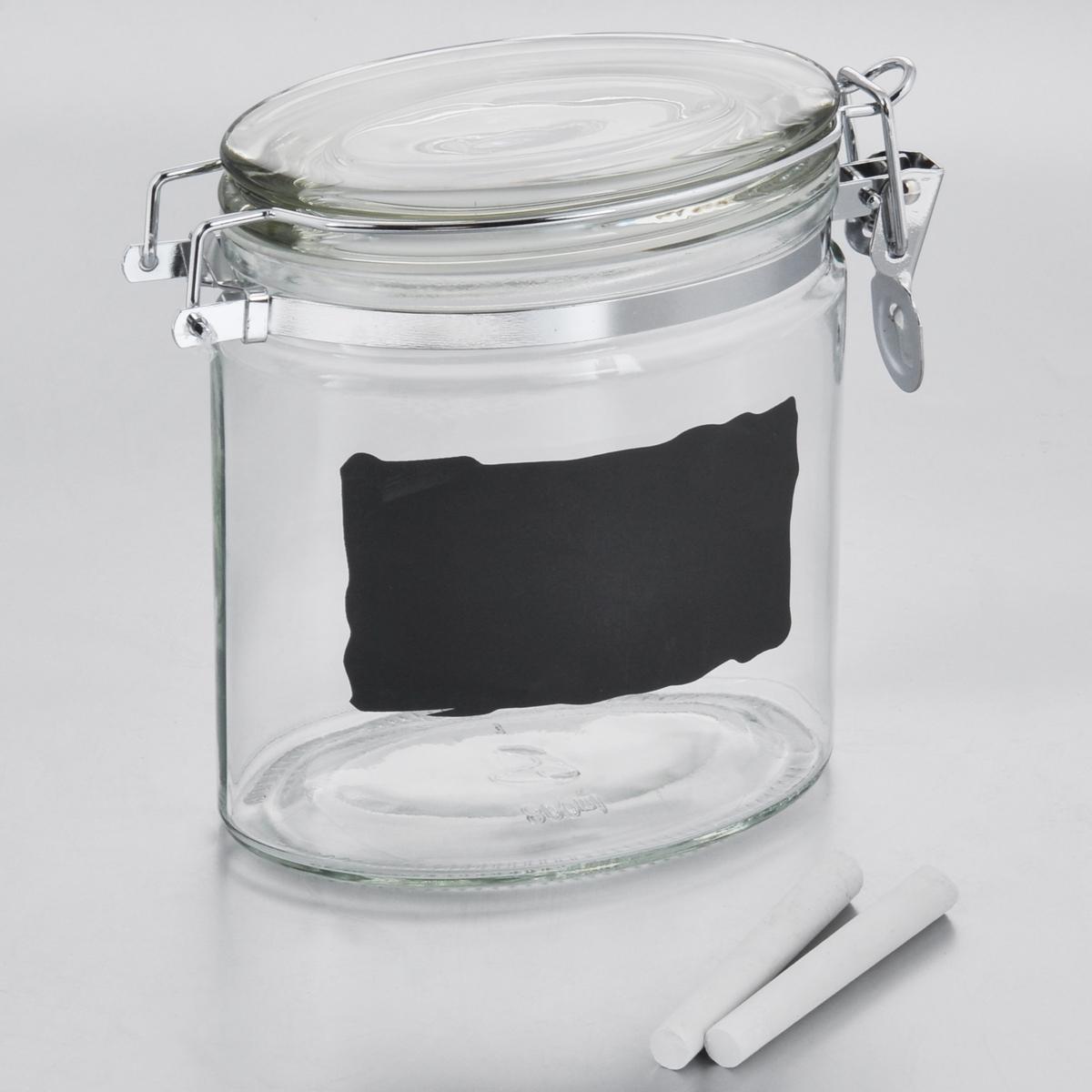 Емкость для хранения Esprado Cristella, с доской и мелками, 800 мл4630003364517Емкость для хранения Esprado Cristella изготовлена из качественного прозрачного стекла, отполированного до идеального блеска и гладкости. Изделие имеет овальную форму. Стекло термостойкое, что позволяет использовать емкость Esprado при различных температурах (от -15°С до +100°С). Это делает ее функциональным и универсальным кухонным аксессуаром. Емкость прекрасно подходит для хранения кофе, сахара, орехов, специй и других сыпучих продуктов. Изделие оснащено крышкой с силиконовой прослойкой, которая плотно закрывается металлическим зажимом. Это обеспечивает герметичность и дольше сохраняет продукты свежими. На внешней стенке имеется доска, на которой можно записать название продуктов (2 мелка в комплекте). Благодаря различным дизайнерским решениям такая емкость дополнит и украсит интерьер любой кухни. Емкости для хранения из коллекции Cristella разработаны на основе эргономичных дизайнерских решений, которые позволяют максимально эффективно и рационально использовать кухонные поверхности. Благодаря универсальному внешнему виду, они будут привлекательно смотреться в интерьере любой кухни. Емкости для хранения незаменимы на кухне: они помогают сохранить свежесть продуктов, защищают от попадания излишней влаги и позволяют эффективно использовать ограниченное кухонное пространство. Не использовать в духовом шкафу, микроволновой печи и посудомоечной машине.
