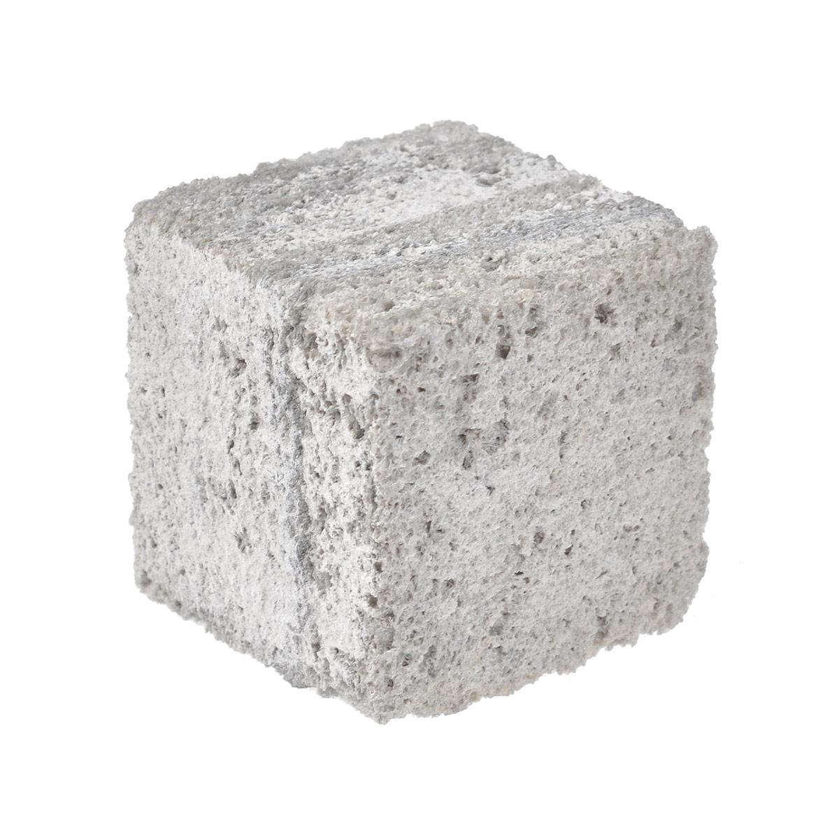 Камень для шиншилл JR Farm, жевательный, 50 г0120710Камень для шиншилл JR Farm  очень твердый. Жевательный камень из Анд - естественного местообитания шиншилл. Камень обеспечивает стирание зубов и их заточку у шиншилл и дегу.Состав: горный камень из Анд.Размер (ДхШхВ): 4,5 см х 4,5 см х 4,5 см.Товар сертифицирован.