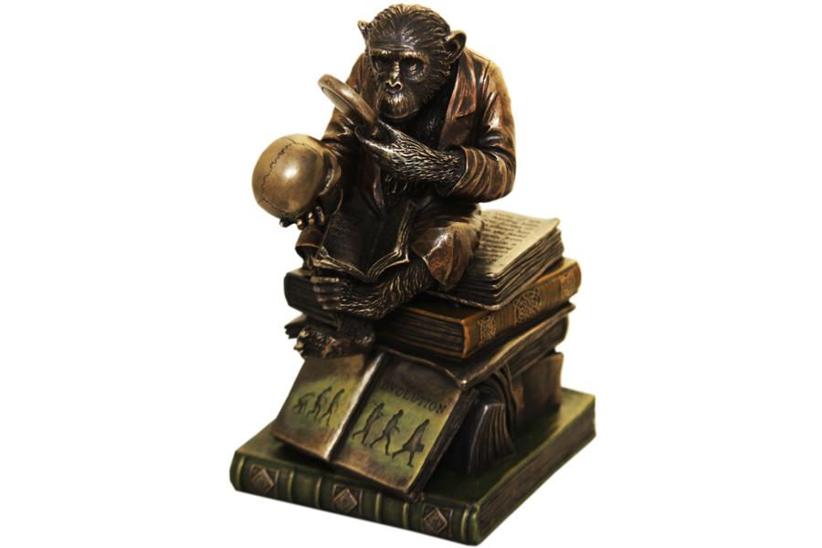 Статуэтка-шкатулка Ученая обезьяна, высота 19 смKT400(4)Декоративная статуэтка-шкатулка Veronese Ученая обезьянка изготовлена из полистоуна бронзового цвета. Вы можете поставить статуэтку в любом месте, где она будет удачно смотреться и радовать глаз. Такая фигурка прекрасно дополнит интерьер офиса или дома. Veronese - это торговая марка, представляющая широкий ассортимент художественных изделий из полистоуна, выполненных по эскизам итальянских дизайнеров и художников.Полистоун представляет собой специальную массу с полимерными связующими материалами, которые абсолютно не токсичны.Имя Veronese является синонимом высокого качества, художественного вкуса и эксклюзивного дизайна. Искусные мастера создают уникальные статуэтки и фигурки, которые призваны украсить вашу жизнь.