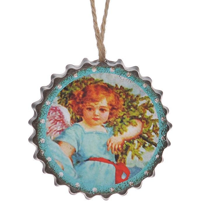 Новогоднее подвесное украшение Мальчик с елкой. 35287C0042416Оригинальное новогоднее украшение из пластика прекрасно подойдет для праздничного декора дома и новогодней ели. Изделие крепится на елку с помощью металлического зажима.