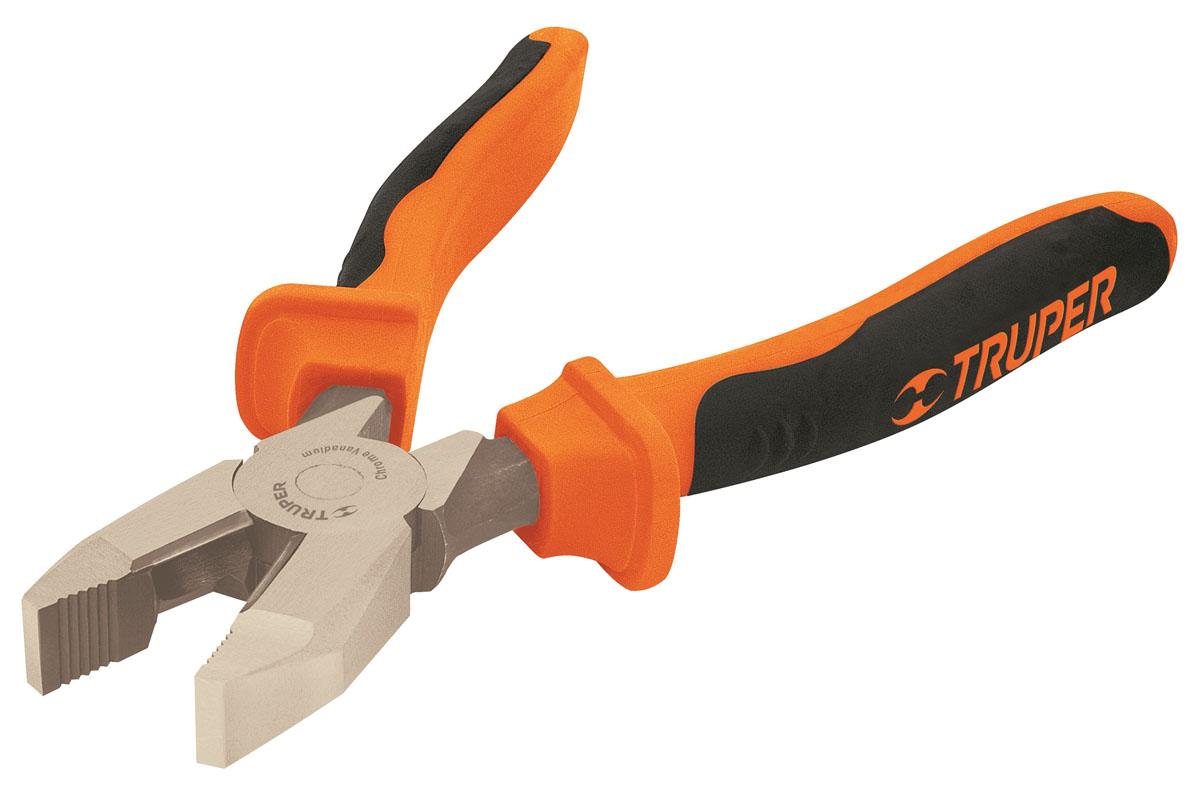 Плоскогубцы профессиональные Truper, 177,8 мм98293777Профессиональные плоскогубцы Truper изготовлены из кованной хром-ванадиевой стали, которая в два раза прочнее углеродистой стали. Они предназначены для захвата, зажима и удержания мелких деталей. Сатинированное покрытие металлической части в 3 раза лучше защищает от коррозии. Обрезиненные рукоятки обеспечивают надежный захват.