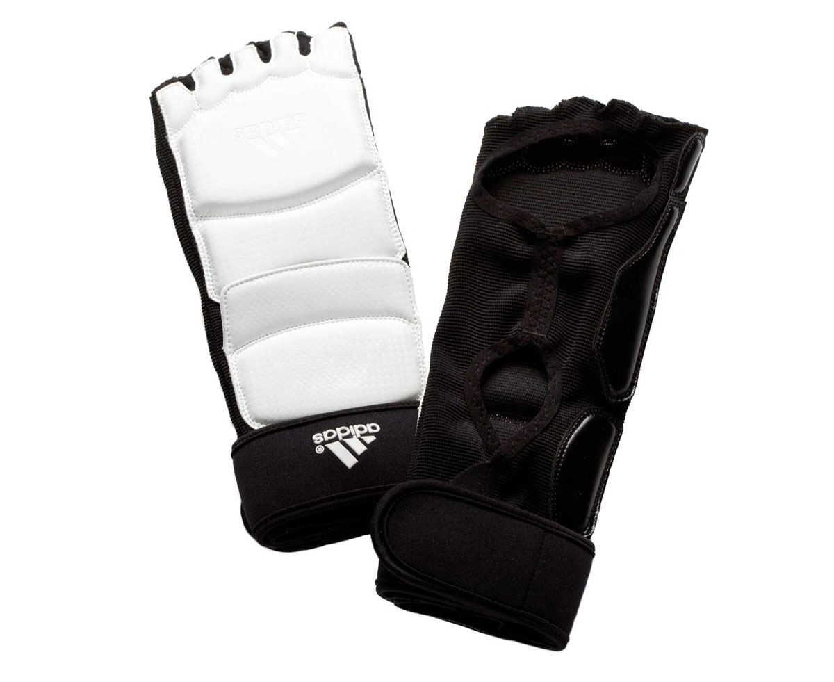 Защита стопы для тхэквондо Adidas Taekwondo Foot Socks WTF, цвет: белый. adiTFS01. Размер S