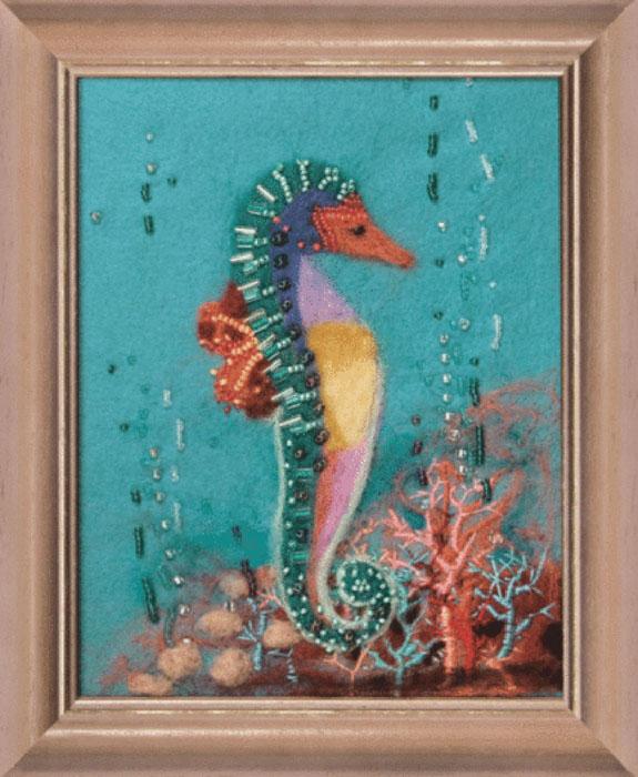 """Набор для валяния """"Подводный мир"""" поможет вам создать свой личный шедевр - оригинальную картину, изготовленную из натуральной шерсти. Набор содержит: - шерсть для валяния (Новая Зеландия) - 11 цветов, - иглы - 2 шт, - игла для валяния, - фетровая основа, - мулине Madeira - 4 цвета, - бисер - 14 цветов, - цветная схема, - инструкция на русском языке. Работа, сделанная своими руками, создаст особый уют и атмосферу в доме и долгие годы будет радовать вас и ваших близких. Ведь вы выполните ее с любовью! УВАЖАЕМЫЕ ПОКУПАТЕЛИ! Обращаем ваше внимание на то, что рамка в комплект не входит, а служит для визуального восприятия товара."""