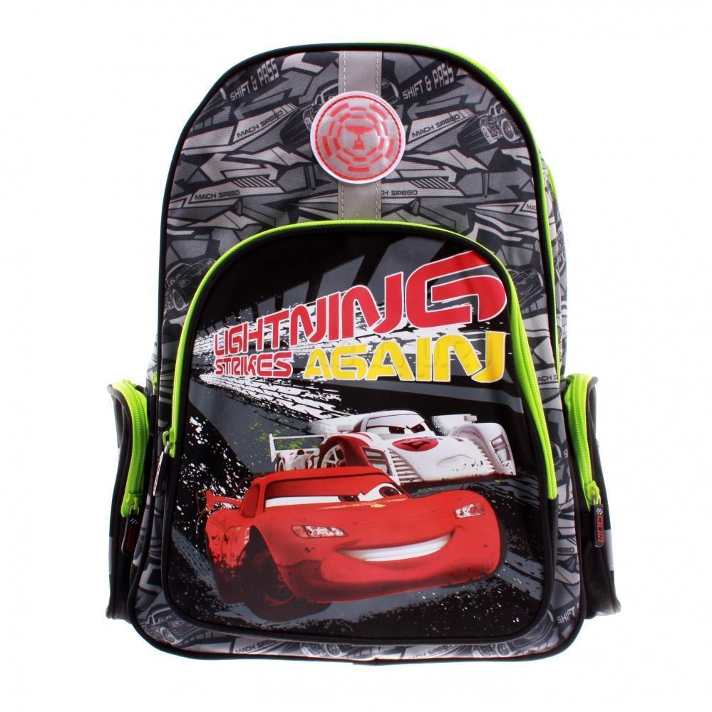 Рюкзак детский Cars CRAB-RT2-9621S3Спинка выполнена с использованием высокотехнологичного упругого материала (EVA) и специально расположенных эргономических элементов с воздухообменной сеткой, служащих для правильного и безопасного распределения нагрузки на спину ребенка. Лямки рюкзака специальной S-образной формы с поролоном и воздухообменной сеткой регулируются по длине. Данные конструктивные особенности помогут обеспечить максимальный комфорт при ношении рюкзака за спиной ребенку любой комплекции. Рюкзак имеет два больших отделения на молнии. Основное отделение с двумя разделителями. Вместительное дополнительное отделение, вмещающее изделия форматом до А4 включительно. Рюкзак снабжен двумя боковыми карманами на молнии, вместительным фронтальным карманом на молнии и текстильной ручкой с резиновым захватом. Дно рюкзака можно сделать жестким, разложив специальную панель с пластиковой вставкой, что повышает сохранность содержимого рюкзака и способствует правильному распределению нагрузки.
