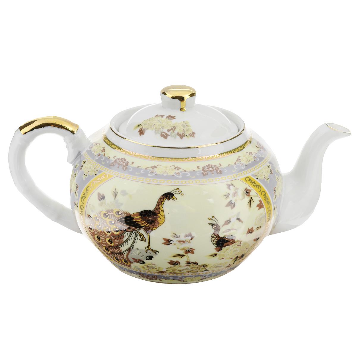 Чайник заварочный Saguro Павлин на бежевом, 1 л. 545-386DM9266Чайник заварочный Saguro Павлин на бежевом изготовлен из высококачественного фарфора. Чайник декорирован изображением павлинов, цветов и золотой каймой. Такой дизайн, несомненно, придется по вкусу любителям классики и тем кто ценит красоту и изящество. Чайник заварочный Saguro Павлин на бежевом украсит ваш кухонный стол, а также станет замечательным подарком к любому празднику. Не использовать в микроволновой печи. Не применять абразивные чистящие вещества.Объем: 1 л. Размеры чайника без крышки (ДхШхВ): 22 см х 12,5 см х 9 см.