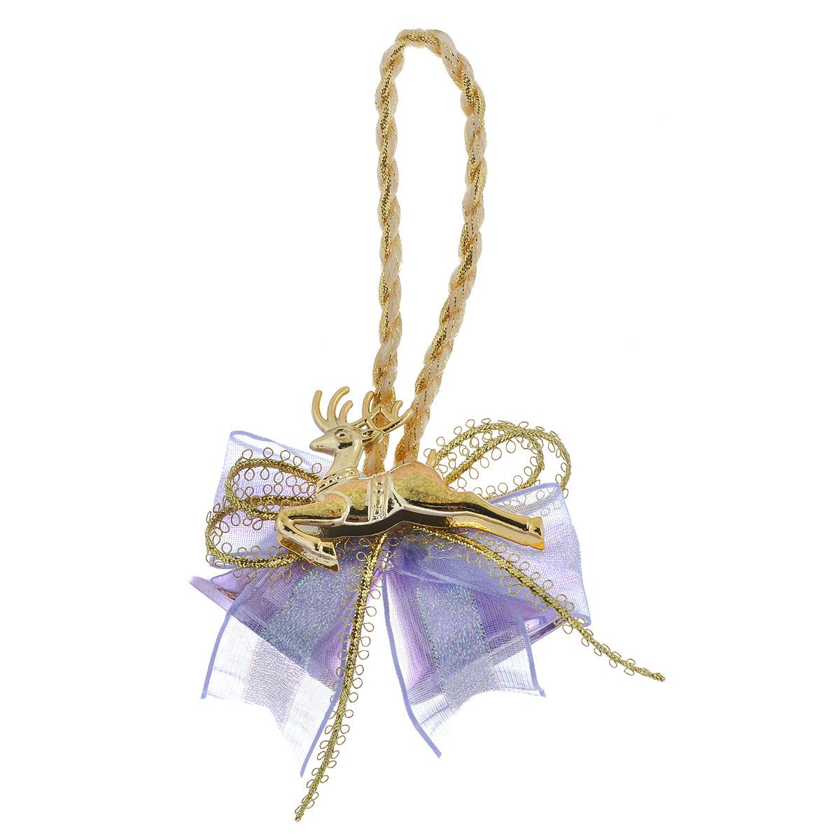 Новогоднее подвесное украшение Колокольчики, цвет: сиреневый. 3501897775318Новогоднее украшение Колокольчики отлично подойдет для декорации вашего дома и новогодней ели. Игрушка выполнена в виде связки на декоративной ленте из шести пластиковых колокольчиков различных размеров. Связка украшена декоративным элементом в виде цветка с золотистым листком, ветками с ягодами и текстильным бантом с мишурой. Колокольчики украшены мишурой и золотой каймой по краю. Украшение оснащено специальной текстильной петелькой для подвешивания. Елочная игрушка - символ Нового года. Она несет в себе волшебство и красоту праздника. Создайте в своем доме атмосферу веселья и радости, украшая всей семьей новогоднюю елку нарядными игрушками, которые будут из года в год накапливать теплоту воспоминаний.