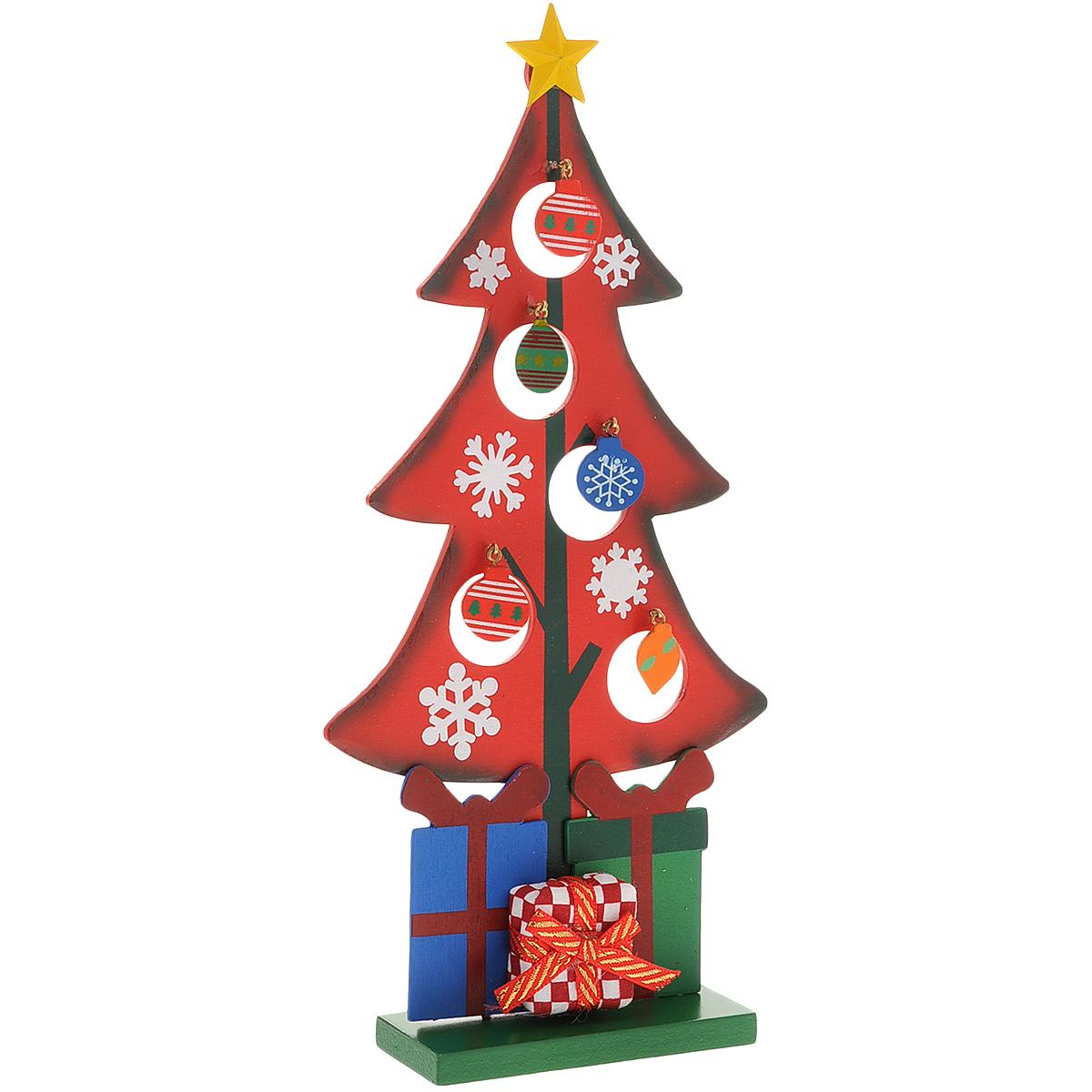 Украшение новогоднее Рождественская елочка, цвет: красный, 28 см. 35265512-113Украшение Рождественская елочка, изготовленное из дерева, отлично подойдет для декорации вашего дома. Украшение выполнено в виде ели на прямоугольной подставке. Елка украшена снежинками, подарками, новогодними игрушками на металлических крючках и верхушкой-звездой. Новогодние украшения всегда несут в себе волшебство и красоту праздника. Создайте в своем доме атмосферу тепла, веселья и радости, украшая его всей семьей.