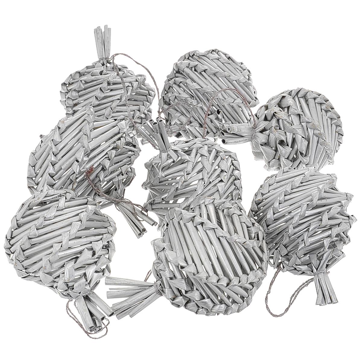 Набор новогодних подвесных украшений Соломенные шары, цвет: серебристый, 8 шт35494Набор новогодних подвесных украшений Соломенные шары, изготовленный из соломки, украсит интерьер вашего дома или офиса в преддверии Нового года. Оригинальный дизайн и красочное исполнение создадут праздничное настроение. Набор состоит из 8 фигурок в форме рельефных шариков, покрытых лаком. Украшения отлично подойдут для декорации вашего дома и новогодней ели. Игрушки оснащены специальными петлями для подвешивания.Елочная игрушка - символ Нового года. Она несет в себе волшебство и красоту праздника. Создайте в своем доме атмосферу веселья и радости, украшая всей семьей новогоднюю елку нарядными игрушками, которые будут из года в год накапливать теплоту воспоминаний. Коллекция декоративных украшений из серии Magic Time принесет в ваш дом ни с чем не сравнимое ощущение волшебства!