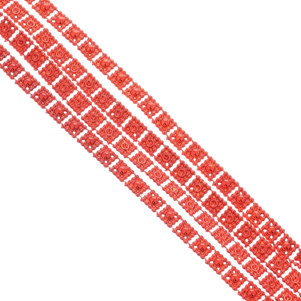 Новогодняя гирлянда Квадратики, цвет: красный, 2,7 м. 3443638249Новогодняя гирлянда прекрасно подойдет для декора дома или офиса. Украшение выполнено из разноцветной металлизированной фольги. С помощью специальных петелек гирлянду можно повесить в любом понравившемся вам месте. Украшение легко складывается и раскладывается. Новогодние украшения несут в себе волшебство и красоту праздника. Они помогут вам украсить дом к предстоящим праздникам и оживить интерьер по вашему вкусу. Создайте в доме атмосферу тепла, веселья и радости, украшая его всей семьей.