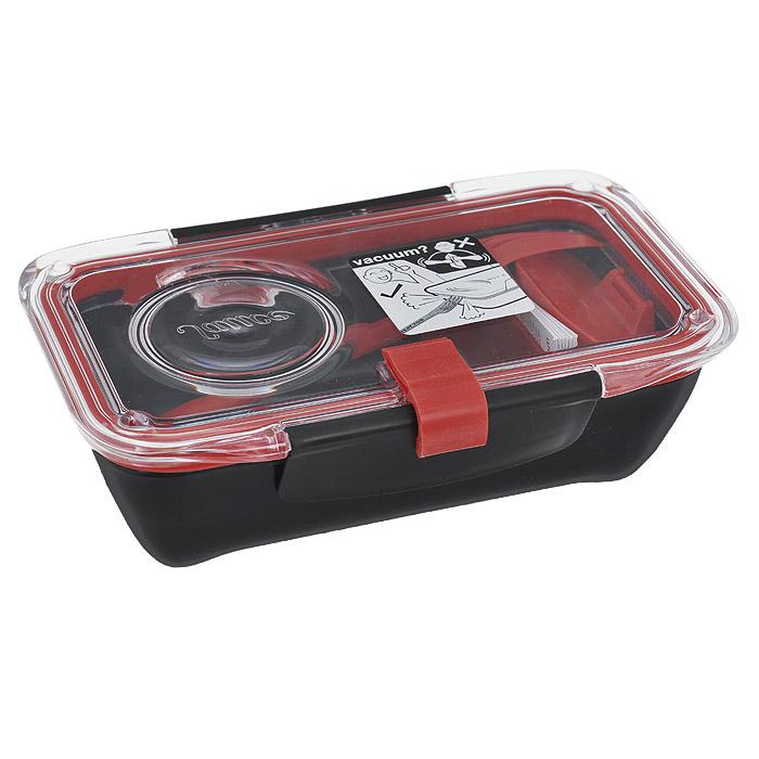 Ланч-бокс Black+Blum Bento Box, цвет: черный, красный, 18,5 см х 12 см х 6,5 смFD-59Ланч-бокс Black+Blum Bento Box изготовлен из высококачественного пищевого пластика, устойчивого к нагреванию. Ланч-бакс имеет прямоугольную форму. Оснащен прозрачной вакуумной крышкой, которая закрывается на две защелки. Благодаря силиконовой прослойке, крышка плотно закрывается, обеспечивая герметичность и дольше сохраняя продукты свежими. В комплекте имеется соусник, разделитель для блюд и вилка, которая крепится к крышке. Благодаря компактным размерам, ланч-бокс поместится даже в дамскую сумочку.Можно использовать в микроволновой печи и мыть в посудомоечной машине.