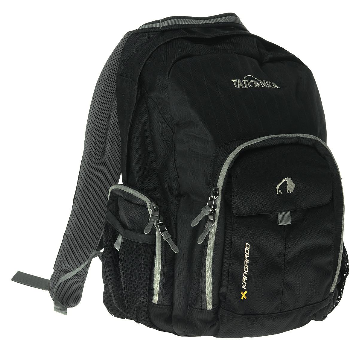 Рюкзак городской Tatonka Kangaroo, цвет: черный, 27 л. 1601.0401601.040Практичный городской рюкзак со множеством карманов. Рюкзак Kangaroo назван так вероятно потому, что в него можно уложить большое количество вещей. Для всего, что не помещается в основное отделение или должно находиться под рукой, рюкзак Kangaroo располагает передним накладным карманом на молнии с органайзером и двумя боковыми сетчатыми карманами на молнии. Легкие грудной и поясной ремни обеспечивают дополнительную фиксацию рюкзака. Спинка, обтянутая воздухопроницаемой сеткой AirMesh, удобно прилегает к спине и обеспечивает комфорт при ношении. Лямки так-же обтянуты сеточкой AirMesh и обеспечивают комфорт даже в жаркую погоду.Особенности:Подвеска: Padded Back.Материал: Textreme 6.6; Cross Nylon 420HD; AirMesh.Подвеска Back Comfort.Лямки и спинка обтянуты сеточкой AirMesh.Передний накладной карман с органайзером.Внутренний карман.Боковые кармашки на молнии.Ручка для переноски.Съемные поясной ремень.Держатель ключей.Объем 27 л.