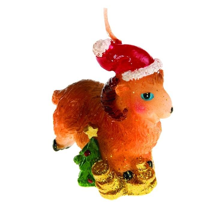 Свеча декоративная Sima-land Овца в новогоднем колпачке. 823791686651Свеча декоративная Sima-land Овца в новогоднем колпачке - отличный подарок, подчеркивающий яркую индивидуальность того, кому он предназначается. Свеча выполнена из высококачественного воска в форме овцы с деньгами. Такая свеча украсит интерьер вашего дома или офиса в преддверии Нового года. Оригинальный дизайн и красочное исполнение создадут праздничное настроение. Материал: воск.Размер свечи (без учета фитиля): 5 см х 2,5 см х 6 см.
