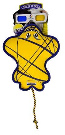 Игрушка для собак R2P Pet High-Viz. Скат, плавающая, цвет: желтый, синий. 01530153Игрушка для собак R2P Pet High-Viz. Скат - прекрасный подарок для вашего питомца! Собаки воспринимают цвет не так, как человек. Игрушки серии High-Viz разработаны с учетом особенностей зрения собак - сочетание желтого и сине-фиолетового является оптимальным и повышает видимость игрушки. Высококонтрастные расцветки наиболее подходят для глаз собак, стимулируют их внимание и привлекают к игре. Игрушка в виде ската выполнена из неопрена. Поэтому она подходит для активной игры с собакой как на суше, так и в воде, потому что игрушка не тонет, а плавает на поверхности.