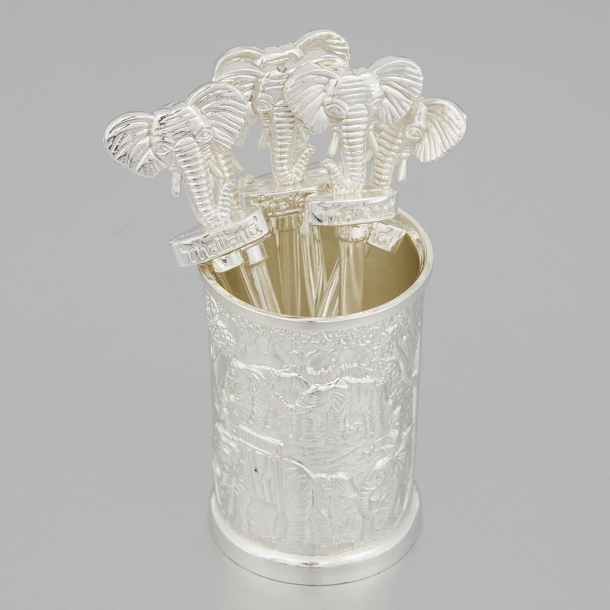 Набор вилочек Marquis, 7 предметов. 7016-MR94672Набор Marquis, выполненный из стали с серебряно-никелевым покрытием, состоит из шести вилочек для канапе и подставки. Рукоятки вилочек декорированы фигурками в виде головы слона. Подставка оформлена рельефным изображением слонов и деревьев. Эксклюзивный дизайн, эстетичность и функциональность набора позволят ему занять достойное место среди кухонного инвентаря, а сервировка праздничного стола таким набором станет великолепным украшением любого торжества.