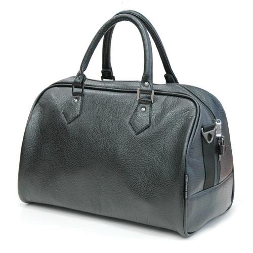 Сумка дорожная Antan, цвет: черный. 2-137 ВP532W-RДорожная сумка Antan выполнена из фактурной искусственной кожи. Удобные ручки крепятся к корпусу сумки при помощи металлической фурнитуры. Изделие закрывается на удобную застежку-молнию с двумя бегунками. Вместительное внутреннее отделение дополнено врезным карманом на застежке-молнии. В комплекте с сумкой - съемный регулируемый плечевой ремень.Стильная дорожная сумка не только дополнит ваш образ, но и отлично подойдет для дальних поездок. В ней вы сможете оптимально распределить все необходимые вещи.