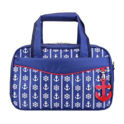 Сумка дорожная Antan Морская, цвет: синий. 2-2SKV996OPY/MЖенская дорожная сумка Antan выполнена из полиэстера и оформлена принтом в морском стиле. Сумка имеет два отделения, закрывающихся на застежки-молнии. Внутри первого - два кармана на молниях, во втором - два открытых накладных кармашка. С внешней стороны и на задней стенке сумки расположены два кармана на молниях.Сумка оснащена двумя удобными ручками и съемным плечевым ремнем регулируемой длины. Такая сумка будет незаменима для поездок, а также может использоваться в качестве ручной клади во время путешествия.