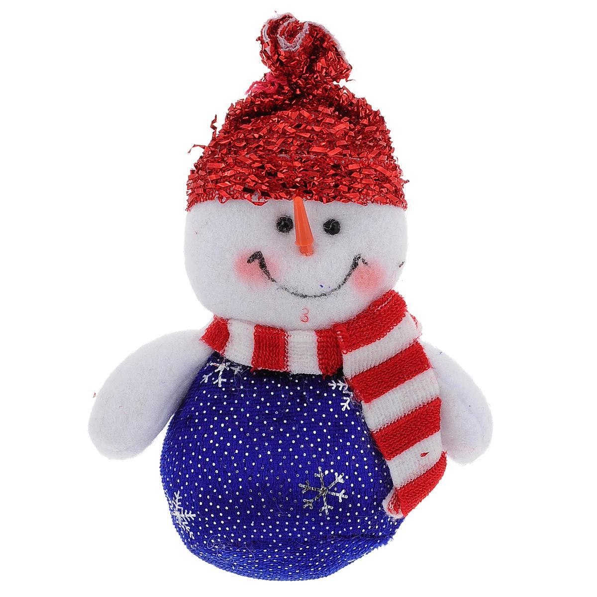 Новогоднее подвесное украшение Снеговик. 35419NLED-424-2.5W-RОригинальное новогоднее украшение из пластика прекрасно подойдет для праздничного декора дома и новогодней ели. Изделие крепится на елку с помощью металлического зажима.