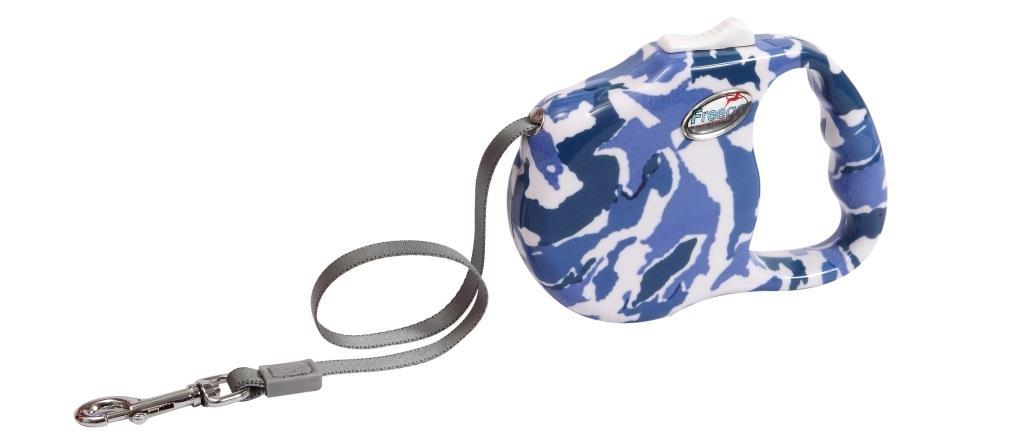 Поводок-рулетка Freego Камуфляж для собак до 23 кг, размер М, цвет: белый, синий, темно-синий, 3 м0120710Поводок-рулетка Freego Камуфляж изготовлен из пластика и нейлона. Корпус оформлен принтом синий камуфляж. Выдвижная нейлоновая лента-поводок имеет хромированную застежку-карабин, с помощью которой надежно пристегивается к ошейнику. Поводок-рулетка Freego Камуфляж - это необходимый, практичный и стильный атрибут для прогулок с вашей собачкой. Его длину можно зафиксировать с помощью специальной кнопки. Длина поводка: 3 м. Максимальная нагрузка: 23 кг.