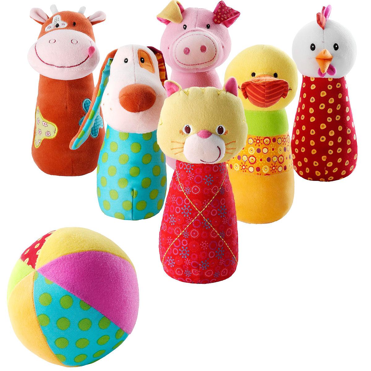 """Игровой набор Lilliputiens """"Боулинг"""" подарит вашему ребенку массу положительных эмоций. Набор выполнен из текстильного материала разных цветов и фактур и включает в себя шесть кеглей разных цветов и мячик. Необходимо расставить кегли и сбить как можно больше, запустив в них мяч. Кегли выполнены в виде животных: котика, свинки, собачки, коровки, курочки и уточки. Гранулы в основании помогают кеглям устойчиво стоять на ровной поверхности. Ушки собачки весело шуршат. Внутри мяча расположена сфера, звенящая при тряске. Ваш ребенок с удовольствием будет играть в боулинг, развивая ловкость, меткость и координацию движений, а также познакомится с животными."""