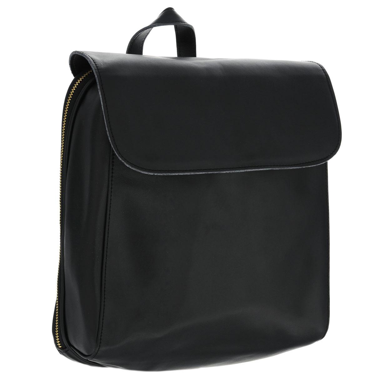 Рюкзак женский Fancys Bag, цвет: черный. 9531-04Z90 blackТрендовый женский рюкзак-сумка Fancys Bag изготовлен из натуральной кожи и исполнен в лаконичном стиле. Изделие закрывается клапаном на магнитную кнопку и дополнительно на застежку-молнию. Вместительное внутреннее отделение, разделенное средником на молнии, содержит два накладных кармашка для мелочей, мобильного телефона и врезной карман на застежке-молнии. Обратная сторона дополнена врезным карманом на магнитной кнопке. Сумка оснащена ручкой-переноской и плечевыми лямками регулируемой длины. В комплект с рюкзаком входит стильный фирменный чехол.Модный рюкзак-сумка не только покорит своим удобством, но и позволит вам взять с собой в поездку все необходимые вещи.Характеристики:Длина плечевого ремня: 66,5 см.Высота ручки-переноски: 9 см.