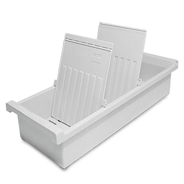 Картотека открытая А6/светло-серый,(HA956/0/11)HA956-0/11Вертикальный лоток для бумаг HAN поможет вам навести порядок на столе и сэкономить пространство. Лоток подойдет для карточек формата А6 и меньше.Лоток состоит из 3 вместительных секций, и, благодаря оригинальному дизайну и классической форме, органично впишется в любой интерьер. В комплект входят 2 прозрачных ярлыка и 2 пластиковых съемных разделителя, всего лоток оснащен вырубками для 26 разделителей. Таким образом, можно изменять размер секций, что позволяет настроить лоток так, как будет удобно именно вам.Лоток изготовлен из антистатического ударопрочного пластика. Лоток имеет ножки, предотвращающие скольжение по столу и обеспечивающие необходимую устойчивость.Благодаря лотку для бумаг, важные бумаги и документы не потеряются и всегда будут под рукой.