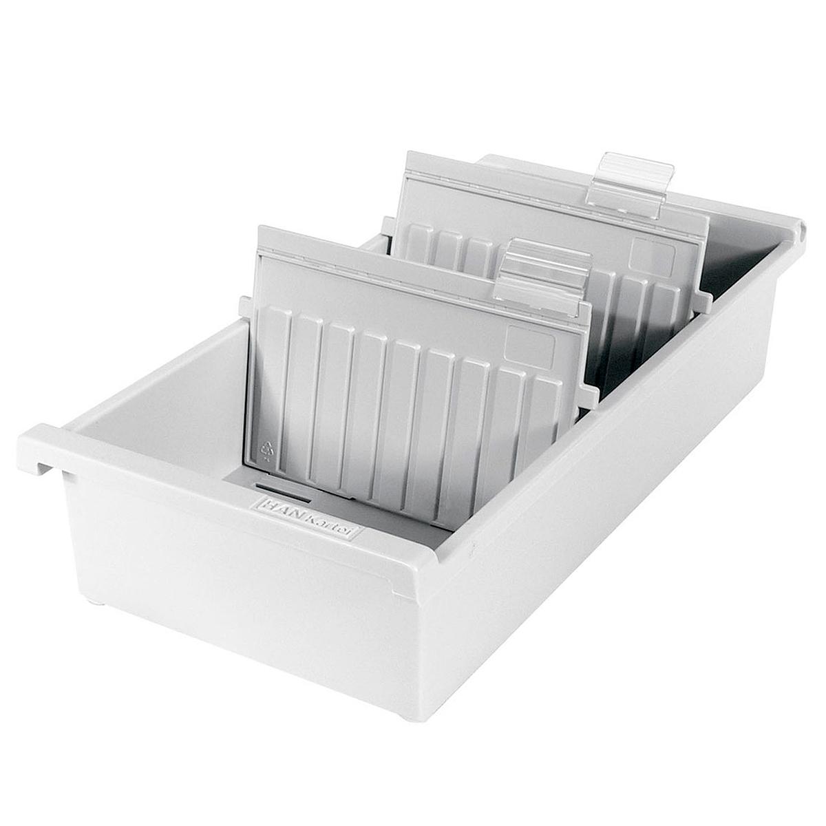 Лоток для бумаг горизонтальный HAN, цвет: светло-серый, формат А7. HA957-0/11FS-00610Горизонтальный лоток для бумаг HAN поможет вам навести порядок на столе и сэкономить пространство. Лоток подойдет для карточек формата А7 и меньше.Лоток состоит из 3 вместительных секций, и, благодаря оригинальному дизайну и классической форме, органично впишется в любой интерьер. В комплект входят 2 прозрачных ярлыка и 2 пластиковых съемных разделителя, всего лоток оснащен вырубками для 26 разделителей. Таким образом, можно изменять размер секций, что позволяет настроить лоток так, как будет удобно именно вам.Лоток изготовлен из антистатического ударопрочного пластика. Лоток имеет ножки, предотвращающие скольжение по столу и обеспечивающие необходимую устойчивость.Благодаря лотку для бумаг, важные бумаги и документы не потеряются и всегда будут под рукой.