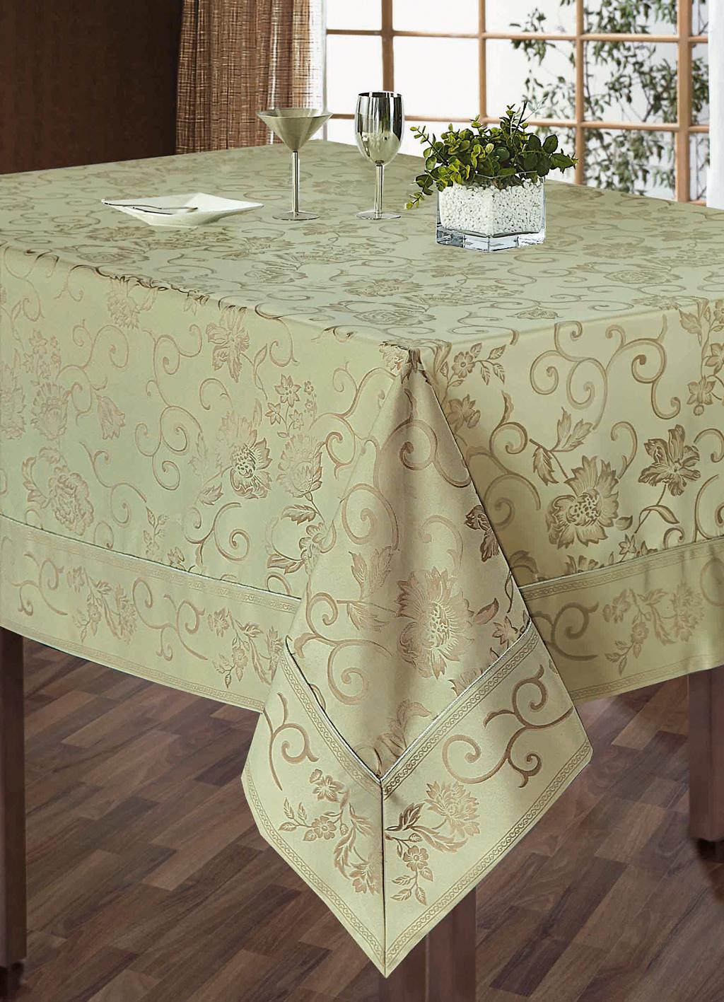Комплект столового белья SL, цвет: бежевый, 5 предметов. 10111811-012Роскошный комплект столового белья SL состоит из скатерти прямоугольной формы и 4 квадратных салфеток. Комплект выполнен из жаккарда с изящным цветочным рисунком. Комплект, несомненно, придаст интерьеру уют и внесет что-то новое. Использование такого комплекта сделает застолье более торжественным, поднимет настроение гостей и приятно удивит их вашим изысканным вкусом. Вы можете использовать этот комплект для повседневной трапезы, превратив каждый прием пищи в волшебный праздник и веселье.Жаккард - это гладкая, безворсовая ткань сложного плетения, в состав которой входят как синтетические, так и органические волокна. У белья из жаккардовой ткани гладкая и приятная на ощупь фактура. Его контурный рисунок, созданный благодаря особому плетению, выглядит дорого и изящно. Здесь воссоединились блеск шелка и уютная мягкость хлопка. Жаккардовые ткани очень прочны и долговечны, очень удобны в эксплуатации. Комплект упакован в красивую подарочную коробку.Soft Line - мягкая эстетика для вас и вашего дома!Основанная в 1997 году, компания Soft Line является путеводителем по мягкому миру текстиля, полному удивительных достопримечательностей!Высочайшее качество тканей в сочетании с эксклюзивным дизайном и изысканными отделками неизменно привлекают как требовательного покупателя, так и взыскательного профессионала! Материал: жаккард (100% полиэстер).В комплект входит: Скатерть - 1 шт. Размер: 150 см х 180 см. Салфетки - 4 шт. Размер: 40 см х 40 см.