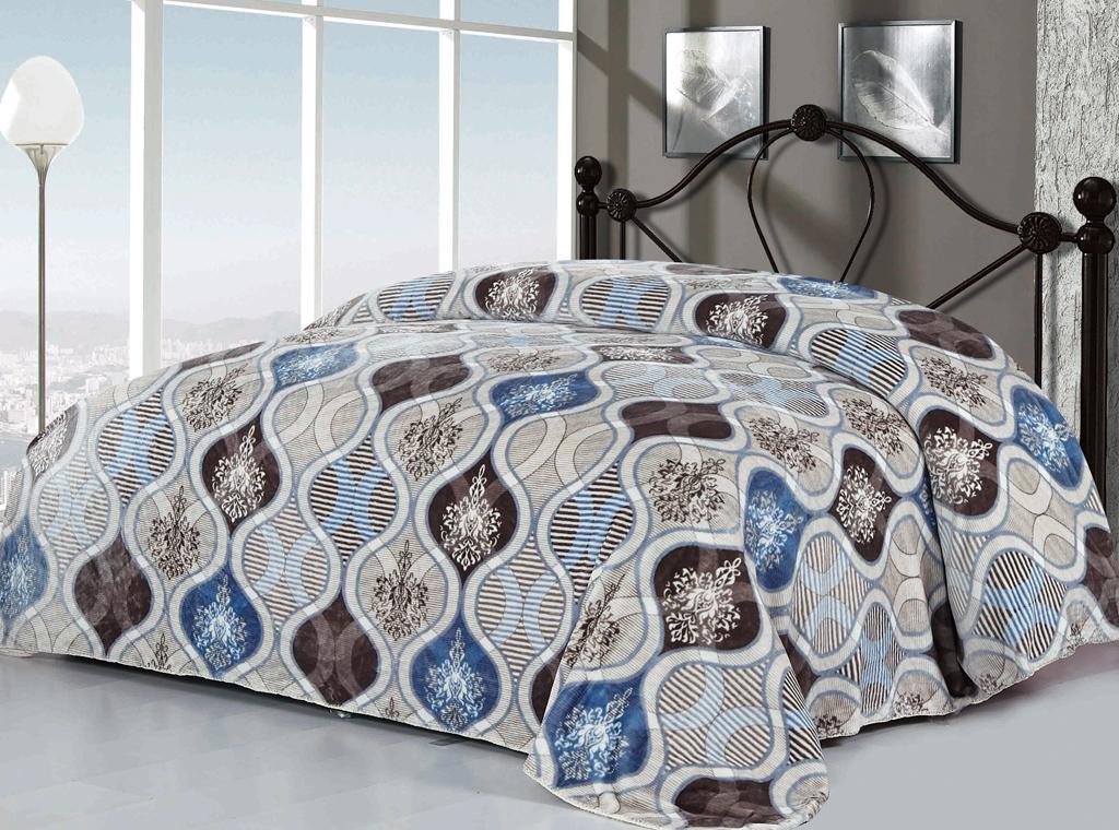 Плед SL, цвет: серый, белый, голубой, 200 см х 220 см. 10214SC-FD421005Изысканный флисовый плед SL гармонично впишется в интерьер вашего дома и создаст атмосферу уюта и комфорта. Плед выполнен из высококачественного флиса и оформлен роскошным орнаментом. Флис - мягкий, теплый, приятный на ощупь материал с бархатистой текстурой, который обладает высокой износостойкостью и долговечностью. Такой плед согреет в прохладную погоду и будет превосходно дополнять интерьер вашей спальни. Высочайшее качество материала гарантирует безопасность не только взрослых, но и самых маленьких членов семьи.Плед поможет подчеркнуть любой стиль интерьера, задать ему нужный тон - от игривого до ностальгического. Плед - это такой подарок, который будет всегда актуален, особенно для ваших родных и близких, ведь вы дарите им частичку своего тепла! Soft Line предлагает широкий ассортимент высококачественного домашнего текстиля разных направлений и стилей. Это и постельное белье из тканей различных фактур и орнаментов, а также мягкие теплые пледы, красивые покрывала, воздушные банные халаты, текстиль для гостиниц и домов отдыха, практичные наматрасники, изысканные шторы, полотенца и разнообразное столовое белье. Soft Line - это ваш путеводитель по мягкому миру текстиля, полному удивительных достопримечательностей.