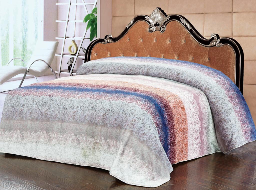Плед SL, цвет: серый, розовый, 200 см х 220 см10223Роскошный плед SL, декорированный красивым узором, выполнен из флиса. Плед согреет в прохладную погоду и будет превосходно дополнять интерьер вашей спальни. Оригинальная текстура ткани и приятная цветовая гамма привлекут к себе внимание и органично впишутся в интерьер помещения.