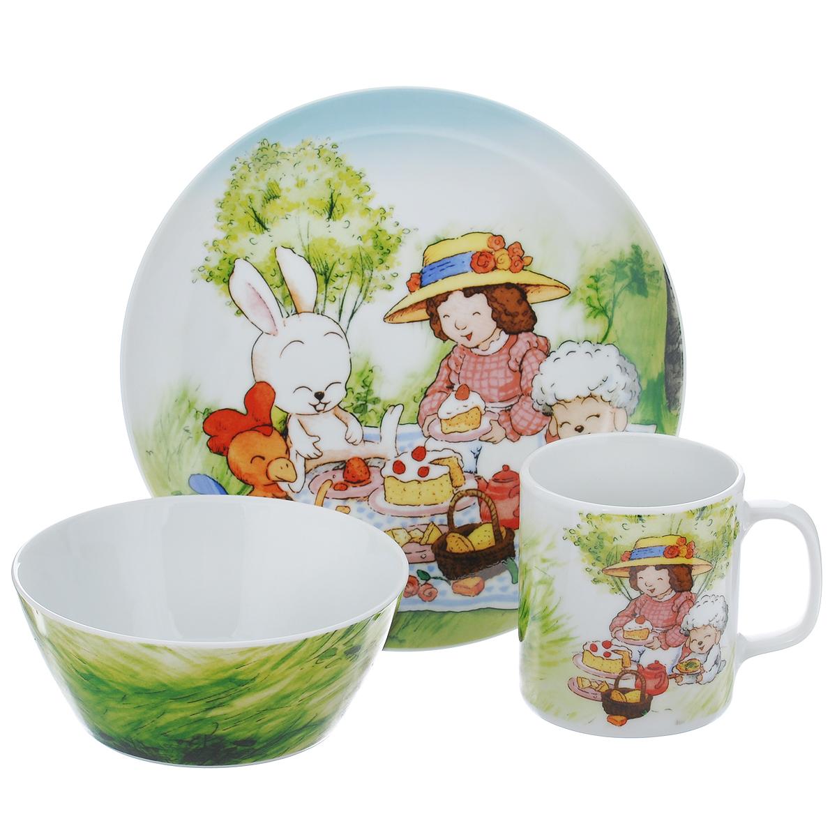 """Набор детской фарфоровой посуды """"Lovely Lady"""" привлечет внимание вашей малышки и не позволит ей скучать. Набор состоит из чашки, супницы и тарелки, оформленных рисунком в виде сказочных животных. Предметы набора допустимо использовать в микроволновой печи и мыть в посудомоечной машине."""