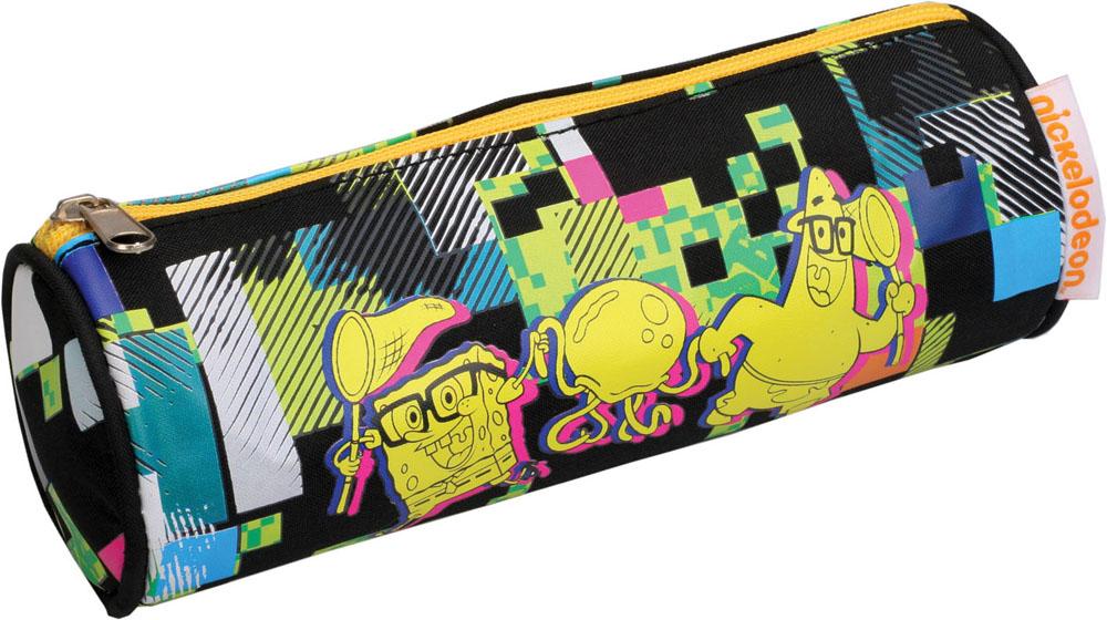 Пенал Centrum Sponge Bob, цвет: черный, желтый72523WDПенал Centrum Sponge Bob станет не только практичным, но и стильным школьным аксессуаром для любого малыша.Пенал выполнен из прочного полиэстера и закрывается на застежку-молнию. Состоит из одного вместительного отделения, в котором без труда поместятся канцелярские принадлежности. Пенал оформлен оригинальным абстрактным принтом и стилизованным изображением неразлучных друзей - Губки Боба и Патрика. Такой пенал станет незаменимым помощником для школьника или студента, с ним ручки и карандаши всегда будут под рукой и больше не потеряются, а изображение любимых героев обязательно поднимет вам настроение!