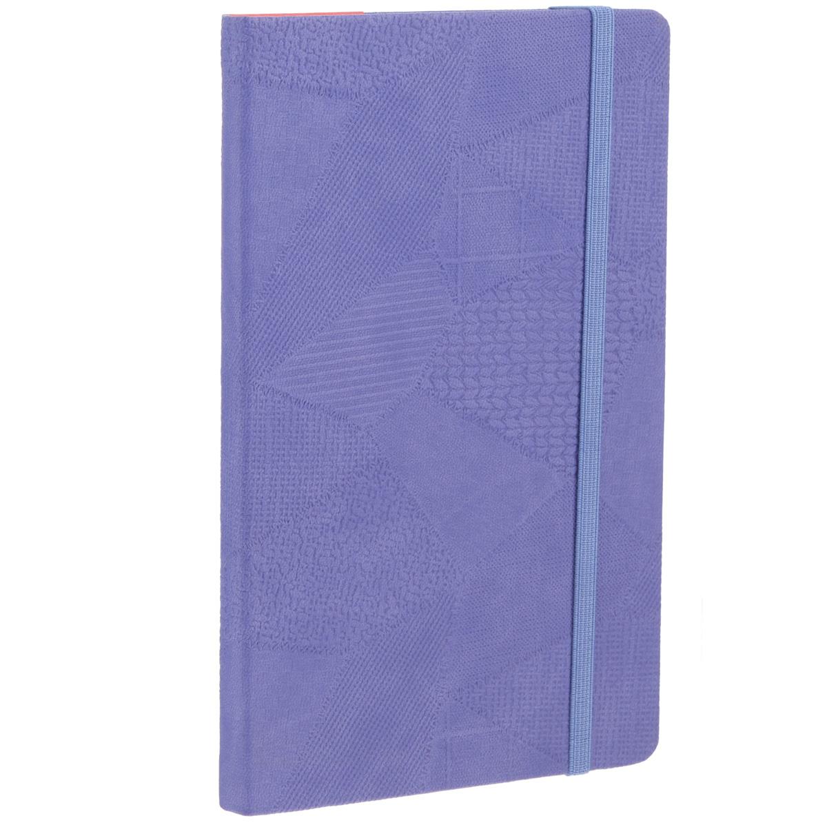 Записная книжка Erich Krause Bazar, цвет: фиолетовый, 96 листов36764Записная книжка Erich Krause Bazar - это дополнительный штрих к вашему имиджу. Демократичная в своем содержании, книжка может быть использована не только для личных пометок и записей, но и как недатированный ежедневник. Надежная твердая обложка из плотного картона, обтянутого текстильным материалом с тиснением в виде сшитых лоскутов ткани, сохранит ее в аккуратном состоянии на протяжении всего времени использования. Плотная в линейку бумага белого цвета, закладка-ляссе, практичные скругленные углы, эластичная петелька для ручки и внутренний бумажный карман на задней обложке - все это обеспечит вам истинное удовольствие от письма. В начале книжки имеется страничка для заполнения личных данных владельца, четыре страницы для заполнения адресов, телефонов и интернет-почты и четыре страницы для заполнения сайтов и ссылок. Благодаря небольшому формату книжку легко взять с собой. Записная книжка плотно закрывается при помощи фиксирующей резинки.
