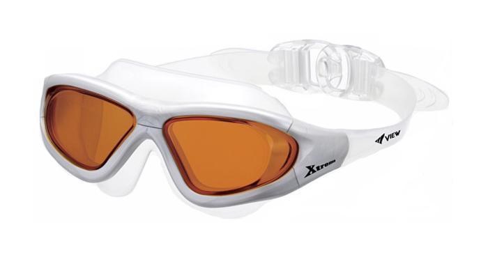 Очки для плавания View Xtreme, цвет: серый, коричневый27737649Маска для плавания View Xtreme имеет низкопрофильный гидродинамический дизайн, обеспечивающий максимальный комфорт и великолепный обзор во время плавания или занятий водными видами спорта в любых условиях. Модель Xtreme имеет уменьшенную конструкцию рамки и революционную быстро регулируемую систему пряжек (заявка на патент), что значительно уменьшает сопротивление воды, по сравнению с аналогичными моделями. Высококачественные скругленные края силиконового обтюратора маски гарантируют абсолютную водонепроницаемость и максимальный комфорт во время тренировок. Маска для плавания View Xtreme обеспечивает 100% защиту от ультрафиолетового излучения (UVA/UVB) и широкий угол обзора - 180 градусов. Характеристики:Цвет: серый, коричневый. Материал: силикон, поликарбонат, полиуретан. Размер наглазников: 13 см х 6 см. Длина оправы: 17 см. Изготовитель: Япония. Артикул: TS V-1000 BL.