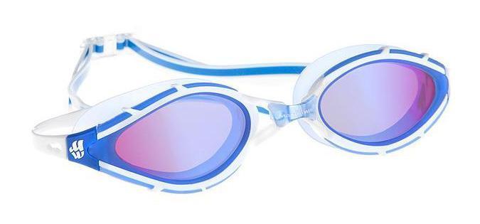 Очки для плавания Mad Wave Sun Blocker, цвет: синийJ504N-9093Очки с поляризационными линзами для использования в открытых водоемах при сильном освещении. Гасят блики и отраженные солнечные лучи. Защита от ультрафиолетовых лучей. Антизапотевающие стекла. Линзы из триацетатцеллюлозы. Съемная переносица (3 размера). Оправа - полиуретан. Силиконовый обтюратор и ремешок.