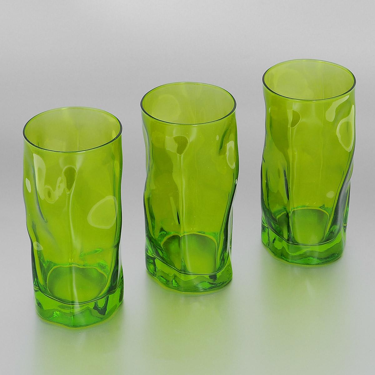 Набор стаканов Bormioli Rocco Sorgente Multicolor, цвет: зеленый, 460 мл, 3 штVT-1520(SR)Набор Bormioli Rocco Sorgente Multicolor, выполненный из стекла, состоит из 3 высоких стаканов. Стаканы предназначены для подачи холодных напитков. Изделия имеют оригинальный дизайн и толстое дно. Благодаря такому набору пить напитки будет еще вкуснее.Стаканы Bormioli Rocco Sorgente Multicolor станут идеальным украшением праздничного стола и отличным подарком к любому празднику. С 1825 года компания Bormioli Rocco производит высококачественную посуду из стекла. На сегодняшний день это мировой лидер на рынке производства стеклянных изделий. Ассортимент, предлагаемый Bormioli Rocco необычайно широк - это бокалы, фужеры, рюмки, графины, кувшины, банки для сыпучих продуктов и консервирования, тарелки, салатники, чашки, контейнеры различных емкостей, предназначенные для хранения продуктов в холодильниках и морозильных камерах и т.д. Стекло сочетает в себе передовые технологии и традиционно высокое качество.